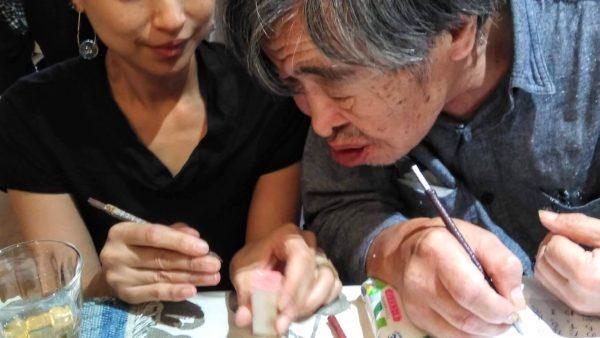 【カフェ潮の路】書家の華雪さんを招いて「篆刻ワークショップ」を開催しました。